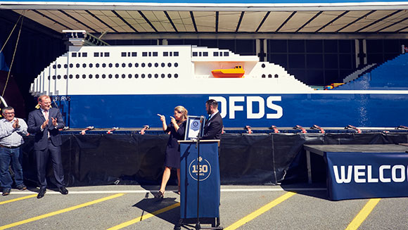largest-lego-ship_tcm25-442060